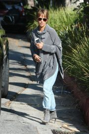 Halle Berry Out and About in Los Angeles 2018/11/24 3