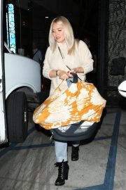 Hilary Duff at Nine Zero One Salon in West Hollywood 2018/11/26 2