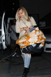 Hilary Duff at Nine Zero One Salon in West Hollywood 2018/11/26 3