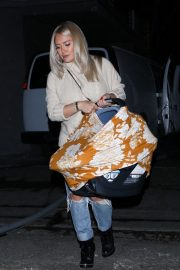 Hilary Duff at Nine Zero One Salon in West Hollywood 2018/11/26 4