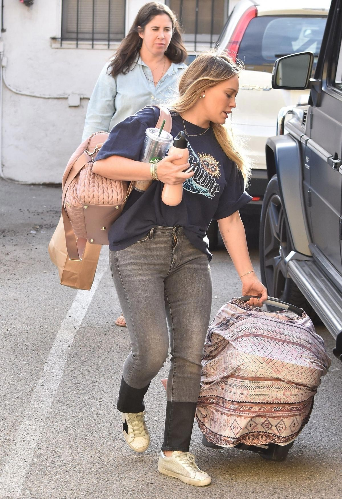 Hilary Duff Out and About in Studio City 2018/11/15 1