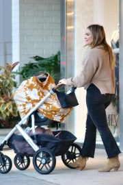 Hilary Duff Out for Dinner in Los Angeles 2018/11/14 4