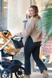 Hilary Duff Out for Dinner in Los Angeles 2018/11/14 5