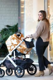 Hilary Duff Out for Dinner in Los Angeles 2018/11/14 6