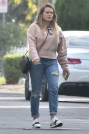 Hilary Duff Out in Studio City 2018/11/21 4