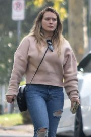 Hilary Duff Out in Studio City 2018/11/21 5
