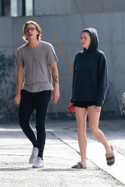 Ireland Baldwin and Noah Schweizer Out for Lunch in Los Angeles 2018/11/17 8