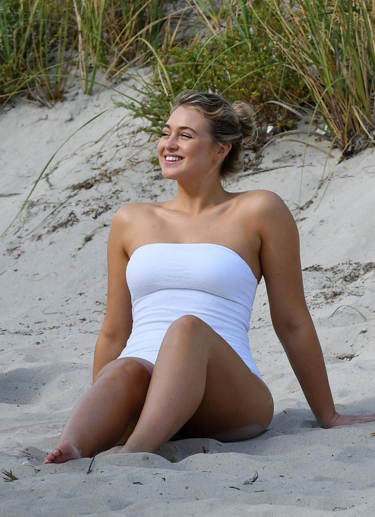 Iskra Lawrence in White Swimsuit for Aerie Photoshoot in Key Biscayne 2018/11/27 1
