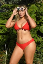 Iskra Lawrence wears Red Bikini for Aerie Photoshoot at a Beach in Miami 2018/11/26 2