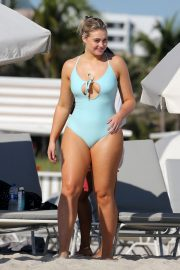 Iskra Lawrence wears Sky Blue Swimsuit for Aerie Photoshoot at a Beach in Miami 2018/11/26 2