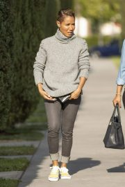 Jada Pinkett Smith Out and About in Calabasas 2018/11/19 2