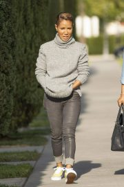 Jada Pinkett Smith Out and About in Calabasas 2018/11/19 4