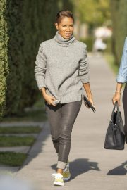 Jada Pinkett Smith Out and About in Calabasas 2018/11/19 6