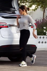 Jenna Dewan Out and About in Encino 2018/11/27 1