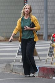 Jennie Garth Out and About in West Hollywood 2018/11/19 4