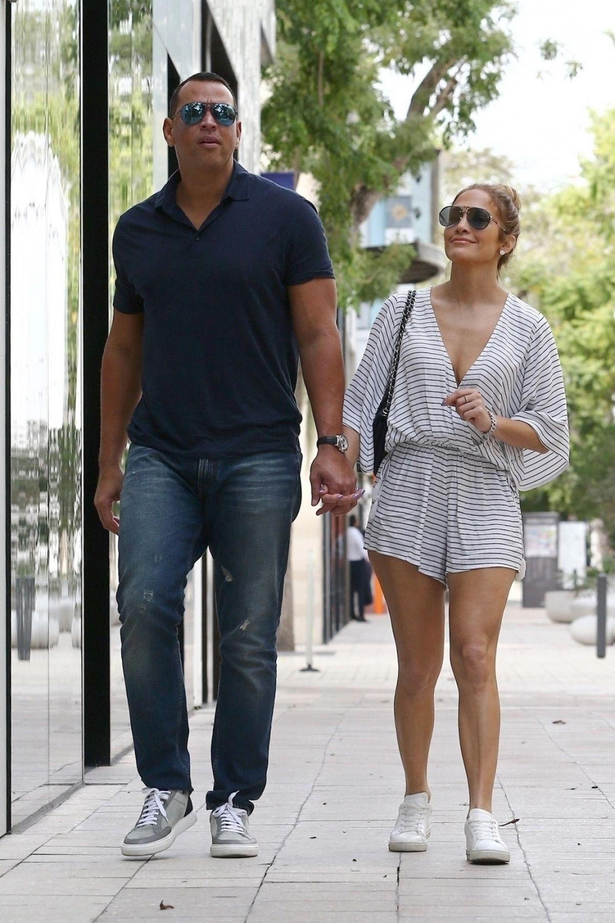 Jennifer Lopez and Alex Rodriguez Out in Miami 2018/11/02 1