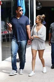 Jennifer Lopez and Alex Rodriguez Out in Miami 2018/11/02 2