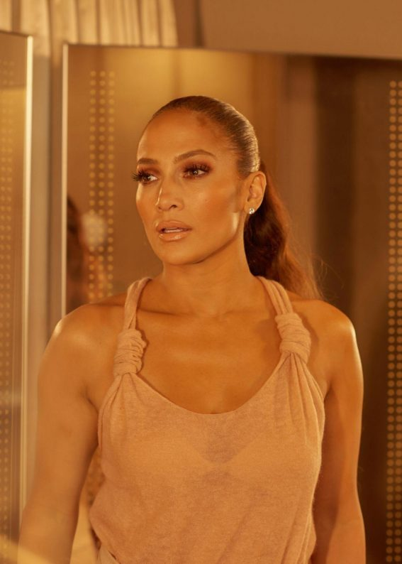 Jennifer Lopez for New York Times, October 2018 1