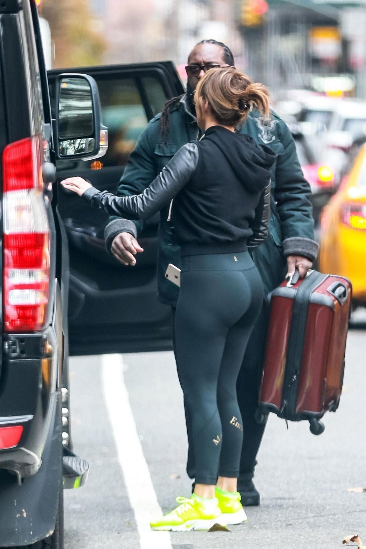 Jennifer Lopez Heading to a Gym in New York 2018/11/27 1