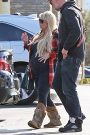 Jessica Simpson Out Shopping in Calabasas 2018/11/26 1