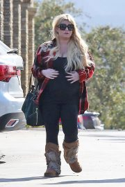 Jessica Simpson Out Shopping in Calabasas 2018/11/26 4