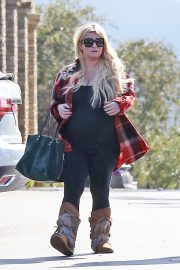 Jessica Simpson Out Shopping in Calabasas 2018/11/26 7