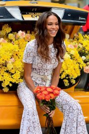 Joan Smalls on the Set of a Photoshoot in New York 2018/11/20 6