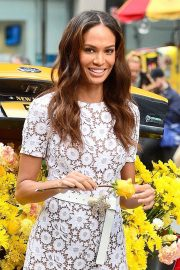 Joan Smalls on the Set of a Photoshoot in New York 2018/11/20 10
