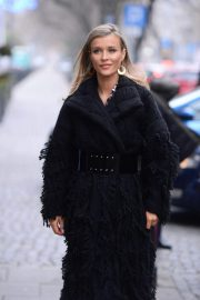 Joanna Krupa Out and About in Warsaw 2018/11/25 2