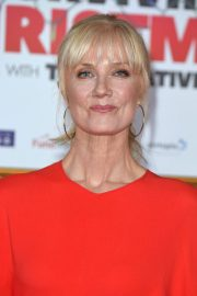 Joely Richardson at Surviving Christmas with the Relatives Premiere in London 2018/11/21 6
