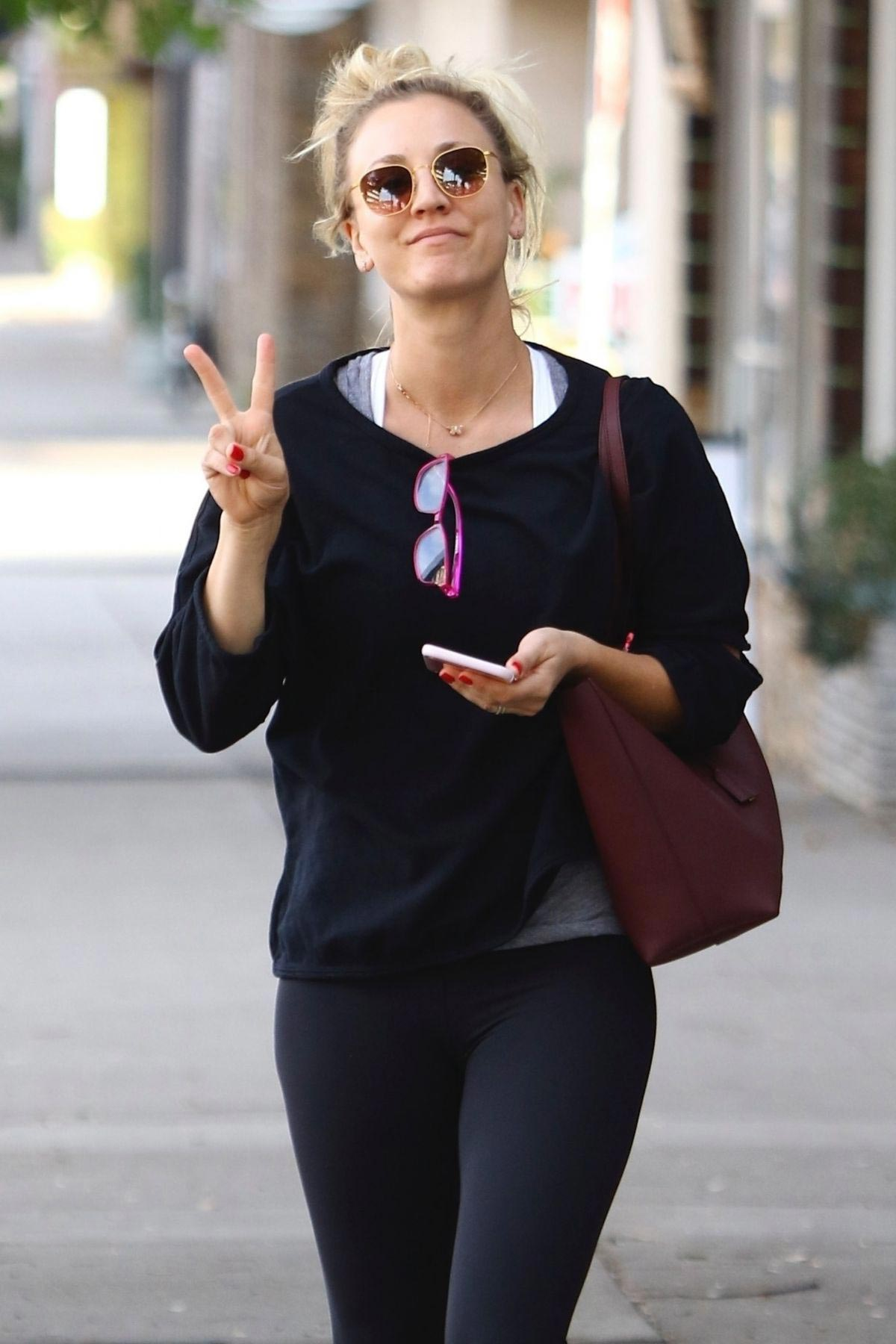 Kaley Cuoco Leaves Yoga Class in Sherman Oaks 2018/11/13 1