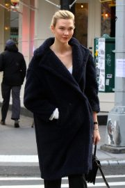 Karlie Kloss Out in New York 2018/11/28 7