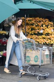 Katherine Schwarzenegger Shopping at Whole Foods in Brentwood 2018/11/25 1