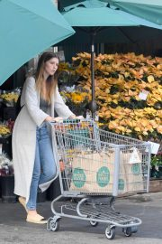 Katherine Schwarzenegger Shopping at Whole Foods in Brentwood 2018/11/25 7