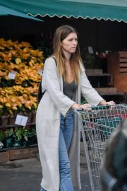 Katherine Schwarzenegger Shopping at Whole Foods in Brentwood 2018/11/25 8