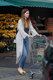 Katherine Schwarzenegger Shopping at Whole Foods in Brentwood 2018/11/25 9