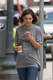 Katie Holmes on the Set of The Secret in New Orleans 2018/10/31 4
