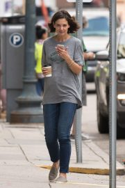 Katie Holmes on the Set of The Secret in New Orleans 2018/10/31 5