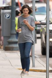 Katie Holmes on the Set of The Secret in New Orleans 2018/10/31 6