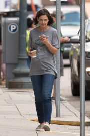 Katie Holmes on the Set of The Secret in New Orleans 2018/10/31 7