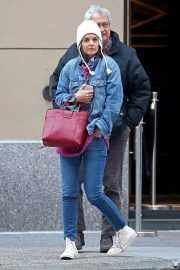 Katie Holmes Out in New York 2018/11/24 2