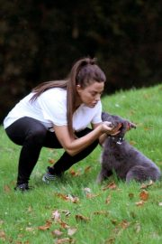 Katie Price Trains Her Dog at a Park in Brighton 2018/11/25 5