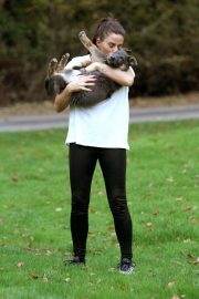 Katie Price Trains Her Dog at a Park in Brighton 2018/11/25 10