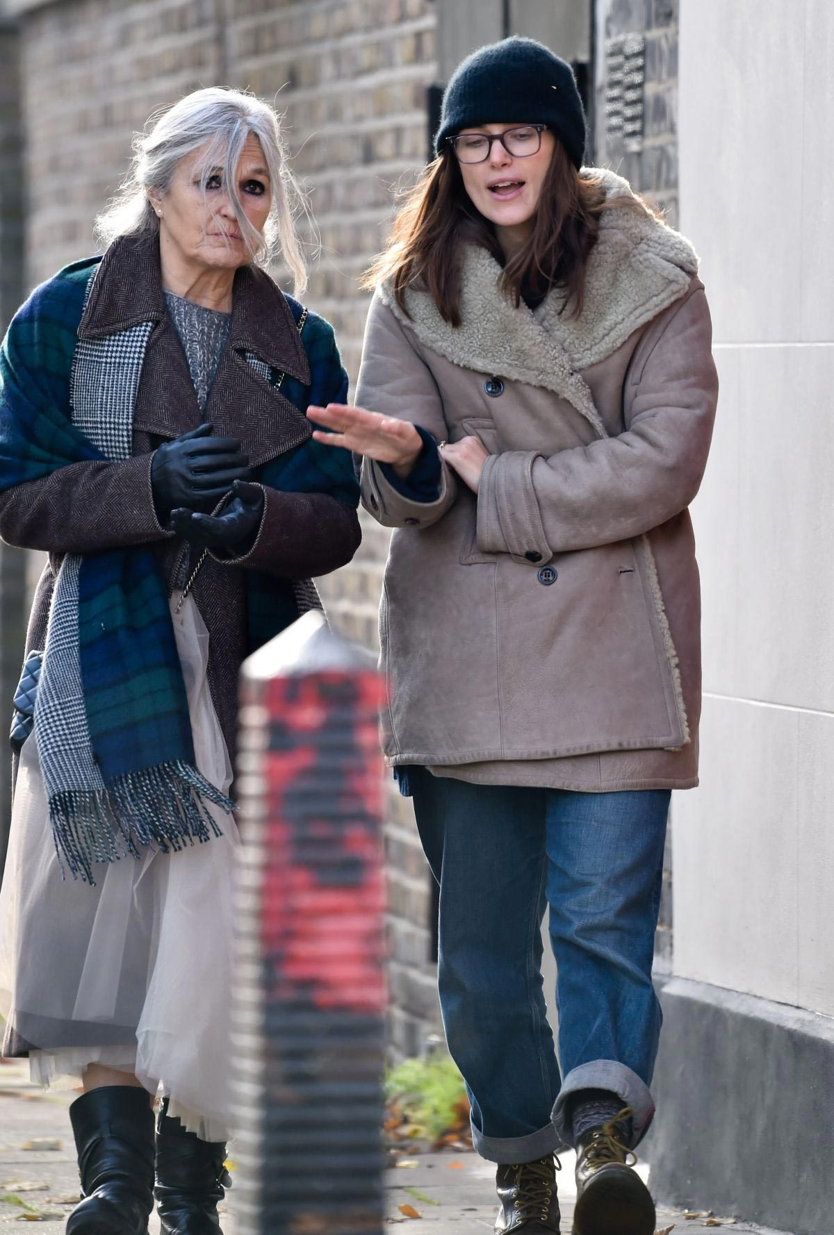 Keira Knightley Out for Coffee with Her Mum in London 2018/11/28 1