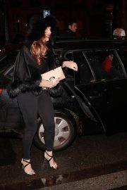 Kelly Brook Celebrates Her Birthday at Laperouse Restaurant in Paris 2018/11/23 1