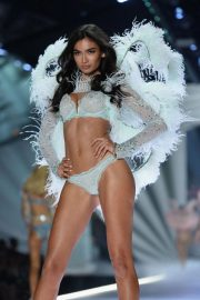 Kelly Gale at Victoria's Secret 2018 Show in New York 2018/11/08 5