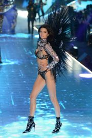 Kendall Jenner at Victoria's Secret 2018 Show in New York 2018/11/08 1