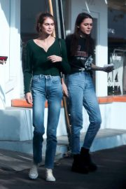 Kendall Jenner, Kaia Gerber and Charlotte Lawrence Out in West Hollywood 2018/11/18 2