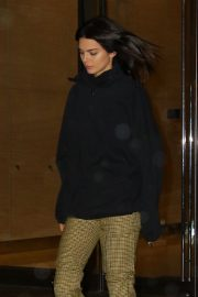 Kendall Jenner Leaves Victoria's Secret Offices in New York 2018/11/05 4