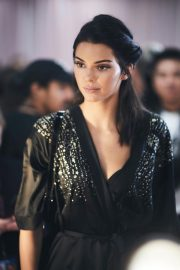 Kendall Jenner on the Backstage of Victoria's Secret Fashion Show in New York 2018/11/08 1